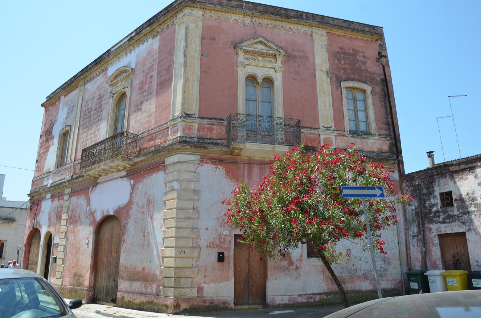 Palazzotto dell'800 Squinzano rif.186