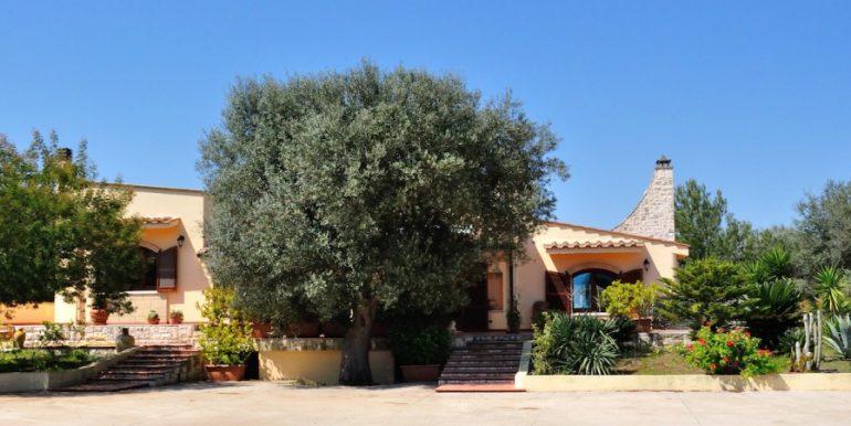 villa-antonietta-masseria-luxury-property-puglia-ostuni19-980x450